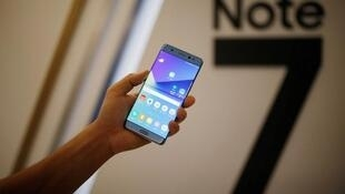 Samsung interrompe produção do Galaxy Note 7 e pede aos usuários que desliguem o aparelho devido ao risco de explosão da bateria.