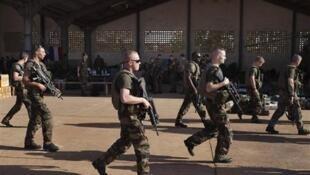 Солдаты французской армии в Бамако 14/01/2013 (архив)