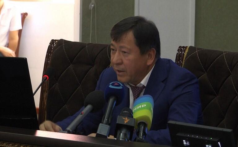 Ramazon Hamro Rahimzoda, ministre de l'Intérieur tadjik, intervient à la télévision nationale après l'attaque des touristes.