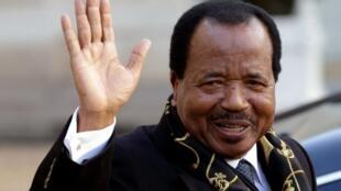 Le président camerounais Paul Biya, réélu selon les résultats officiels avec plus de 71 % des voix pour un 7e mandat.