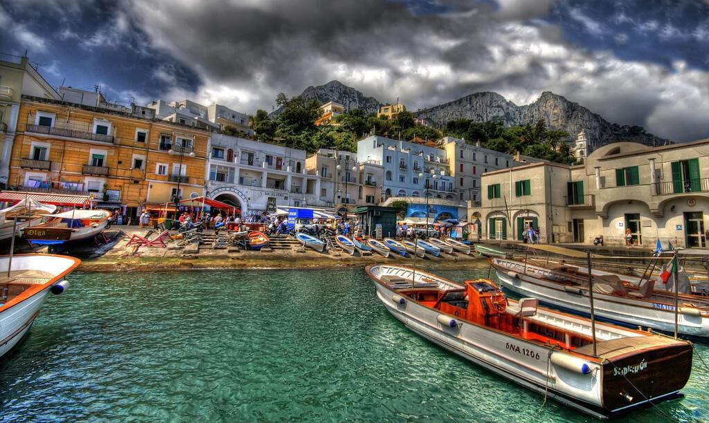 Thị trấn Capri hàng năm tiếp đón 2 triệu lượt du khách (DR)