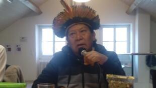 O líder Yanomami Davi Kopenawa em Genebra nesta terça-feira (3).
