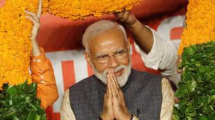 Narendra Modi (ici le 23 mai 2019 à New Delhi) a prêté serment ce jeudi pour un deuxième mandat de Premier ministre à la tête de l'Inde.