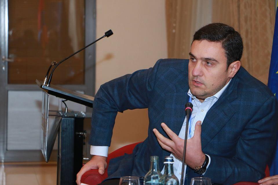 Армянский политолог Артур Газинян