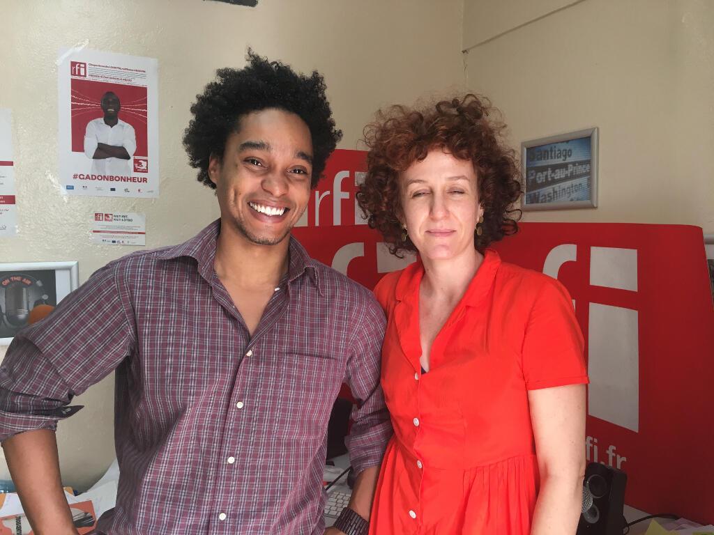 Mehdi Etienne Charlemers et Maude Malengrez au studio de RFI en Haïti.