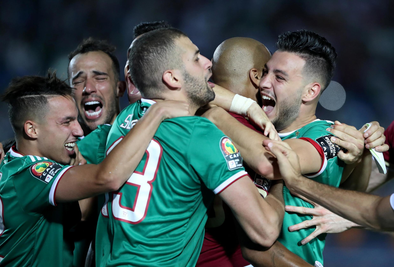 Niềm vui của đội tuyển Algérie ngày 11/7/2019 khi được vào bán kết Cúp Bóng Đá Châu Phi CAN 2019.-finalistes de cette CAN 2019.