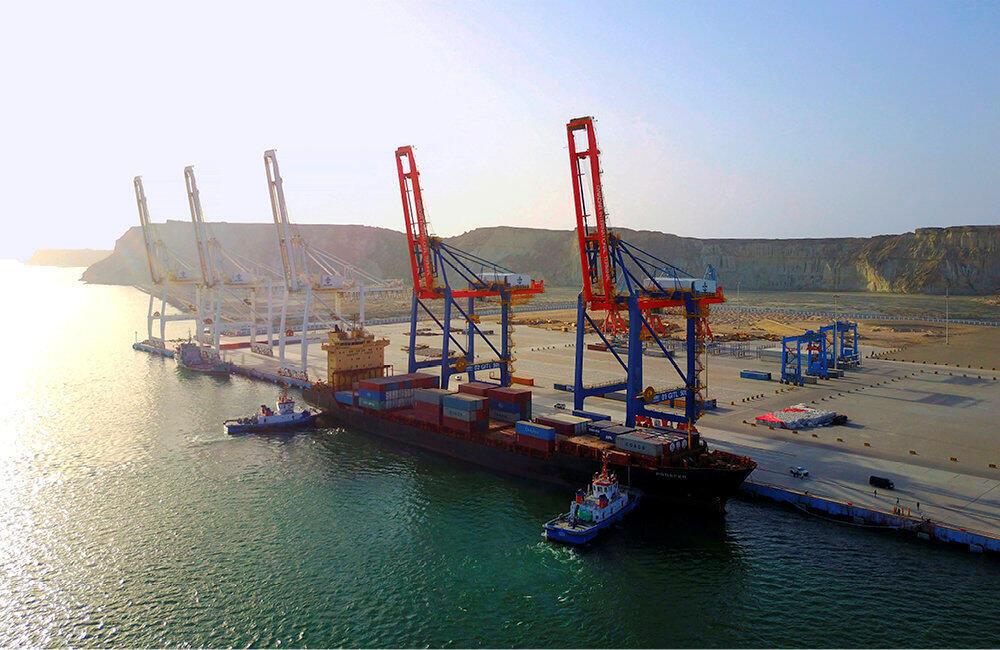 """چین در بندر """"گوادر"""" در جنوب استان بلوچستان پاکستان سرمایهگذاریهای هنگفتی کرده است."""