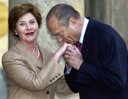 """Cựu tổng thống Jacques Chirac nổi tiếng là người đàn ông """"lịch lãm"""". Reuters"""