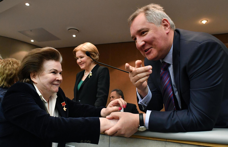 Первая женщина-космонавт, депутат Валентина Терешкова и глава «Роскосмоса» Дмитрий Рогозин