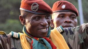 Moussa Dadis Camara, lors de sa prise de pouvoir à Conakry , le 24 décembre 2008.
