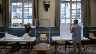 Polling station at Hotel de Ville in Paris for second round of municipal elections 28 June 2020_Reuters_Joel Saget