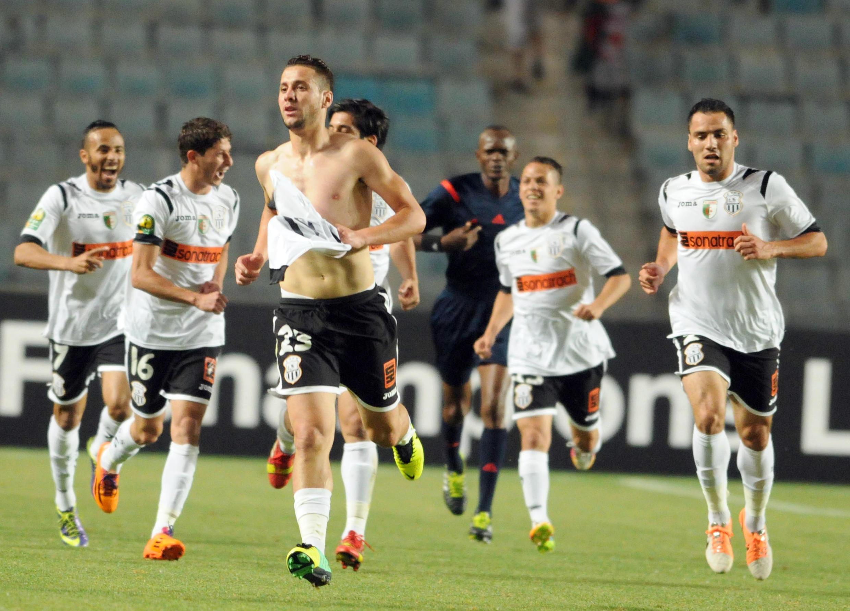 Les joueurs de l'ES Sétif, champions d'Afrique en titre, disputeront leur premier match samedi à l'occasion des quarts de finale.