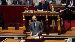 Le Premier ministre Edouard Philippe pendant le débat à l'Assemblée nationale sur la motion de censure de la gauche, ce jeudi 13 décembre 2018.