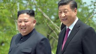 Les présidents nord-coréen Kim Jong-un et chinois Xi Jinping veulent faire rentrer leur pays dans une «nouvelle phase» de relations bilatérales.