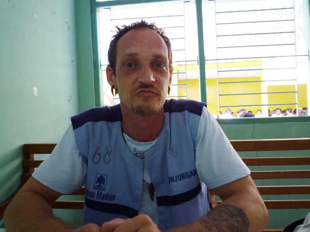 Michaël Blanc en prison en Indonésie, à Madiun (île de Java) en 2009.