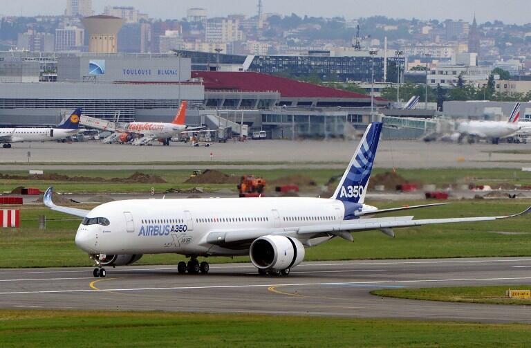 L'A350 doit concurrencer le 787 Dreamliner de Boeing.