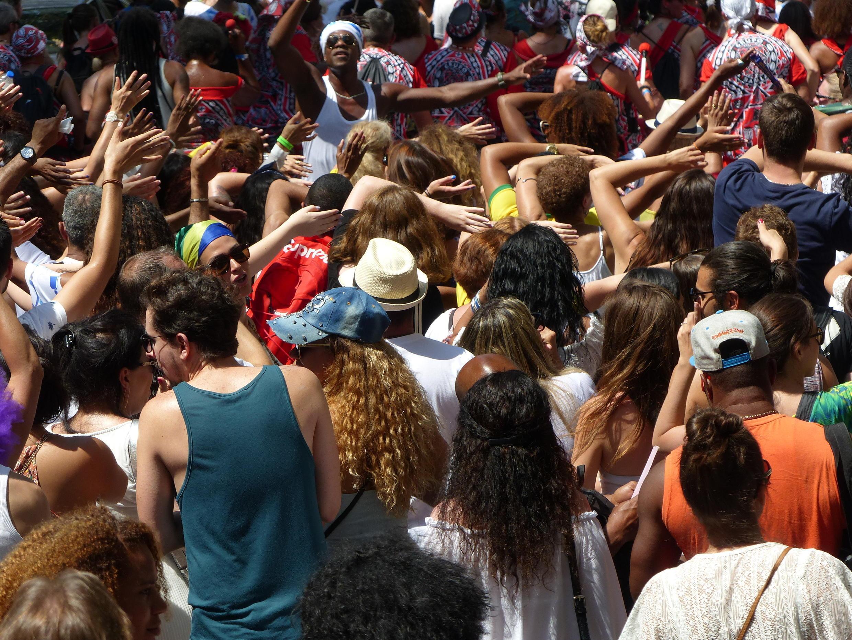 Público curte o desfile da Lavagem da Madeleine