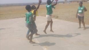 L'ONG Altus Sport propose des activités extra scolaires à 5600 élèves chaque semaine. Une façon de compenser les lacunes du système d'éducation public sud-africain.