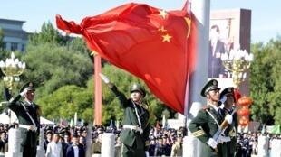 Cérémonie militaire chinoise à Lhasa, la capitale du Tibet, en septembre 2015.