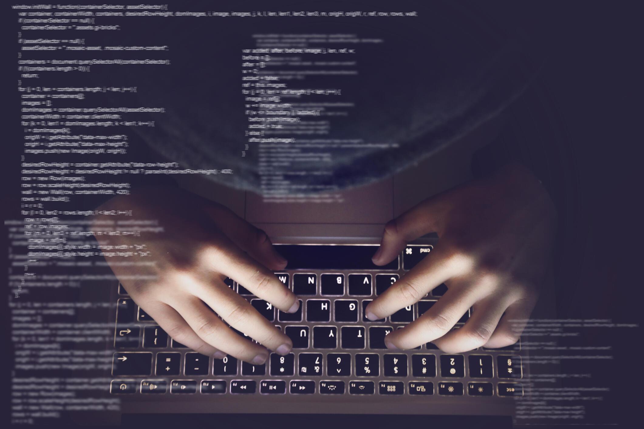 Des hackers liés au Renseignement militaire russe (GRU) sont impliqués dans le piratage d'emails de l'équipe de campagne d'Emmanuel Macron lors de la présidentielle de 2017 en France.
