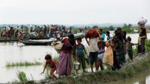 کوچ انبوه مسلمانان میانمار به بنگلادش