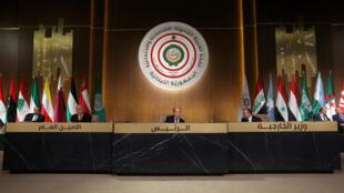 همزمان با برگزاری نشست اقتصادی اتحادیه عرب در لبنان، میشل عون، رییسجمهوری این کشور، تمامی کشورهای عضو این اتحادیه را به فراهم آوردن شرایط مساعد امنیتی برای بازگشت پناهندگان سوری فراخواند.