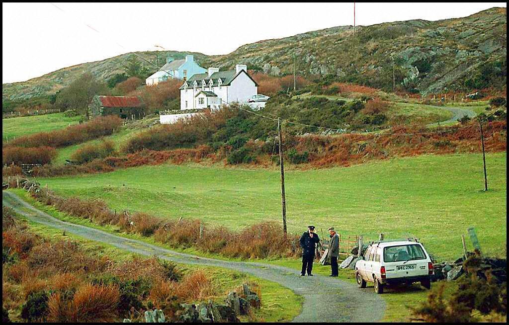 Irish police investigate the site where Sophie Toscan du Plantier was murdered, 24 December 1996.