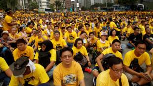 Les manifestants ont réclamé le départ du Premier ministre Najib Abdul Razak lors du rassemblement de la coalition «Bersih» («propre») à Kuala Lumpur, le 19 novembre 2016.