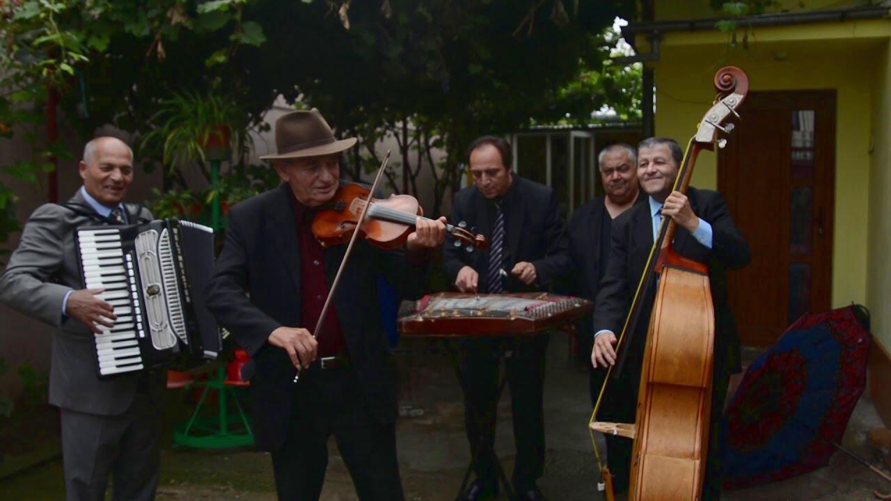 Taraf de Bucurestilor, created en 2008 to promote and preserve the Lauteri tradition