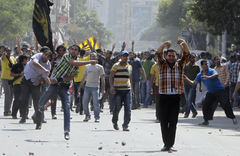 Wasu magoya bayan Hambararren shugaban na Masar, Muhammad Morsi, galibi mambobin kungiyar 'yan uwa musulmi ta Muslim Brothers