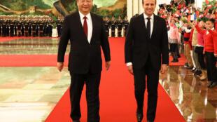 Le Président français Emmanuel Macron et son homologue chinois Xi Jinping lors de sa visite en Chine le 9 janvier 2018.