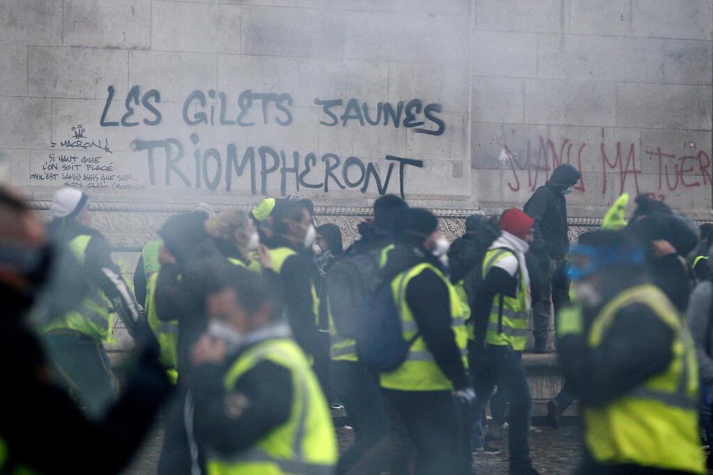 L'Arc de Triomphe, sur la place de l'Etoile à Paris, a également été la cible de dégradations ce 1er décembre 2018.