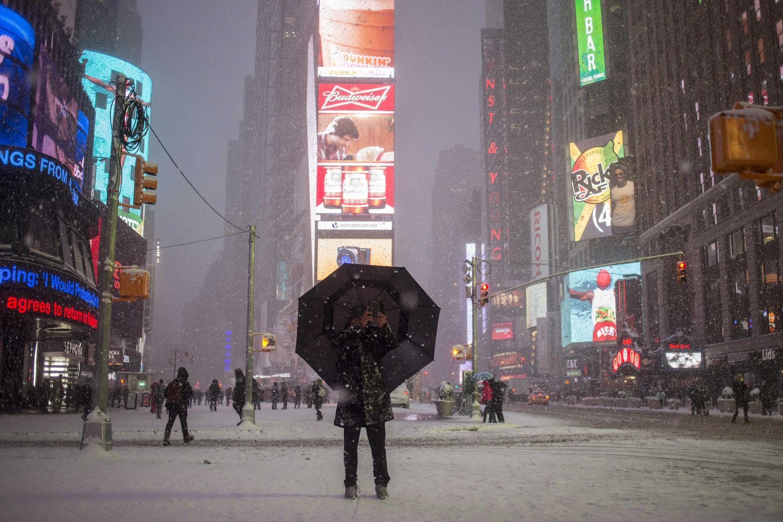 Times Square, em Nova York, nesta terça-feira (27).
