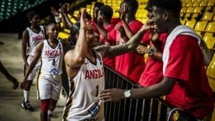 Angolanas festejam apuramento para os quartos-de-final.