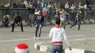 A praça Tahrir no Cairo voltou a ser palco de manifestações contra o governo nesta terça-feira, 19 de novembro de 2013.