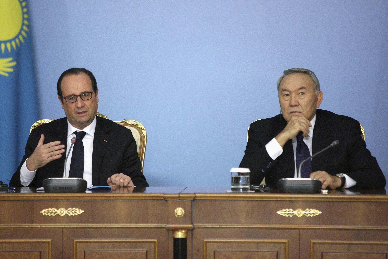 Президенты Франции и Казахстана Франсуа Олланд и Нурсултан Назарбаев в Астане, 5 декабря 2014 г.