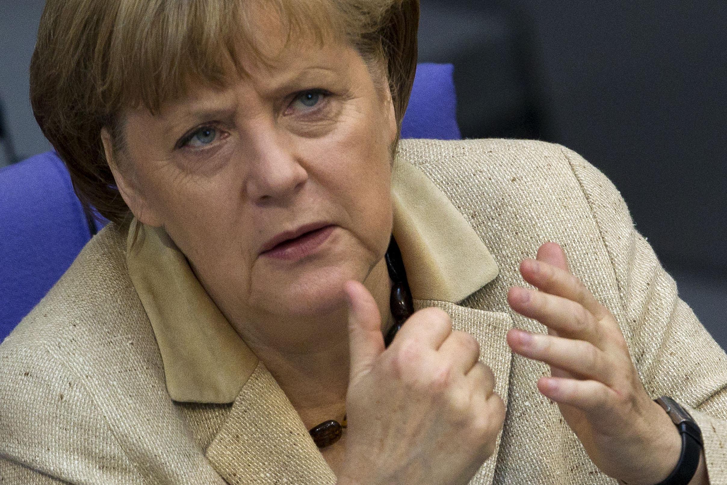 A chanceler alemã Angela Merkel durante pronunciamento no Bundestag, o parlamento alemão, em Berlim, nesta quinta-feira.