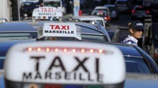 Забастовка таксистов против приложения UberPOP в Марселе, 25 июня 2015 г.