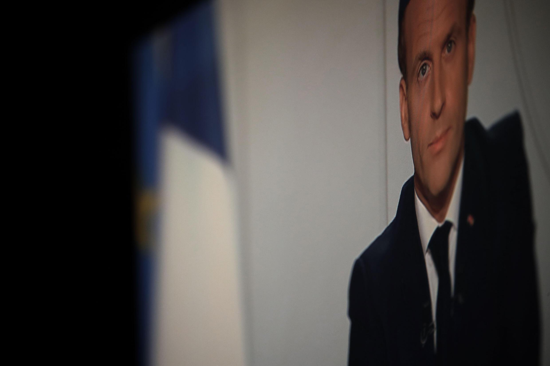 Emmanuel Macron a annoncé un deuxième confinement national, mercredi 28 octobre 2020, sur les chaînes de télévision française, pour tenter de lutter contre une deuxième vague du coronavirus résurgent dans le pays.