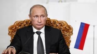 O presidente russo, Vladimir Putin, deve apresentar plano de crise na Ucrânia.