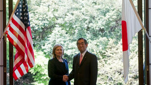 Japanese Foreign Minister Takeaki Matsumoto and US Secretary of State Hillary Clinton in Tokyo, 17 April 2011.