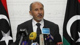 Le président du Comité national de transition libyen, Moustafa Abdel Jalil, a annoncé que la sécession des chefs de l'Est était le résultat d'un complot étranger.