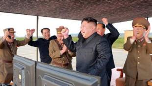 """金正恩声称 平壤""""接近完成核计划""""。"""