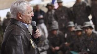 US Defence Secretary Robert Gates talks to troops in Kandahar province on 8 December