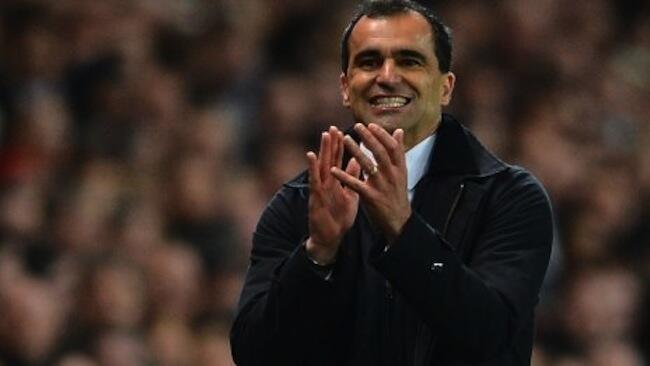 Roberto Martinez kocha mkuu wa Wigan akifurahia ushindi wa timu yake