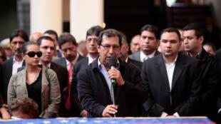 Adan Chavez (T), anh trai cố tổng thống Venezuela Hugo Chavez, nằm trong danh sách tám nhân vật bị Mỹ trừng phạt. Ảnh chụp ngày 15/03/2013.