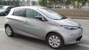 Les voitures électriques - ici la Zoé de Renault - n'occupent pour le moment que 0,5% du marché automobile français.