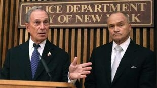 New York Mayor Michael Bloomberg (L) and New York Police Commissioner Ray Kelly announce the alert
