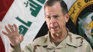 Đô đốc Michael Mullen, tham mưu trưởng liên quân Hoa Kỳ, lên án Syria đàn áp dân chúng, 2/8/2011.