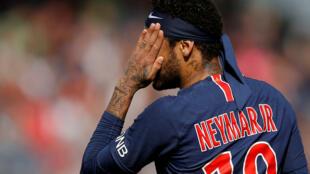 Neymar Jr, avançado do PSG, no início de Maio de 2019 perante o Angers no seu último jogo da temporada 2018-2019.